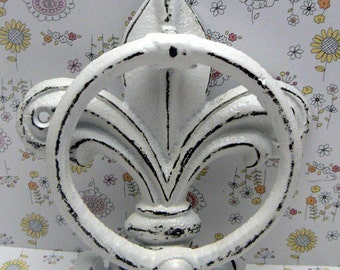 Fleur de lis Cast Iron White White FDL Welcome Door Knocker Decor Paris Shabby Style Chic Cottage Distressed House Greeting Knock  Guests