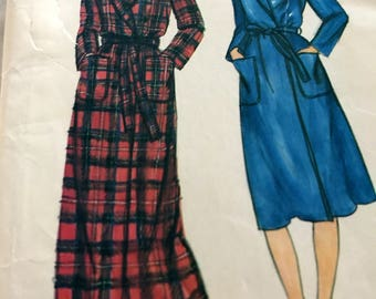 Misses' Vintage Wrap Robe Pattern in Two Lengths---Butterick 3910---Size 12  Bust 34  UNCUT