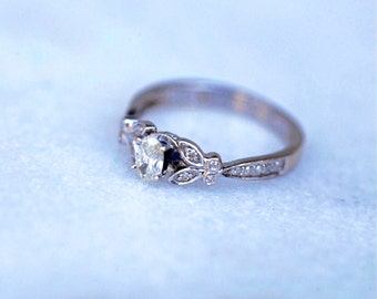 Gorgeous Vintage Circa 1940s White Gold Oval Diamond Engagement Ring Size 5.75