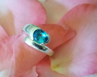 Sterling Silver Ring with Bright Blue Oval Stone (st - 2042)