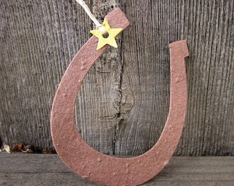 100 Flower Seed Paper Horseshoes Country Wedding Favors - Plantable Paper Horseshoes - Lucky in Love Rustic Wedding Favors - Barn Wedding