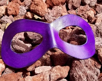 READY TO SHIP - Purple Domino Mask - Round Edged Molded Leather Mask - Superhero Cosplay Mask Comic Costume