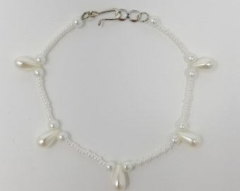Pearl Teardrop Beaded Bracelet