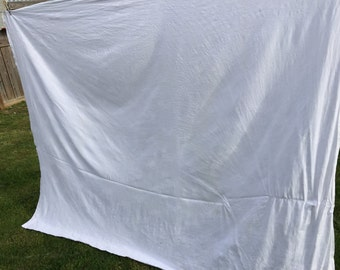 Vintage White Grapes and Grape Leaves Damask Tablecloth