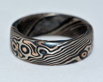 Mokume Gane Woodgrain Ring 14 K Rose Gold , 14 White Palladium Gold and Oxidized Silver.