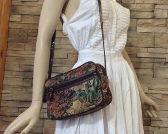 Tapestry shoulder purse
