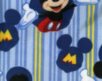 Mickey Mouse Reversible Hooded Carseat Poncho**