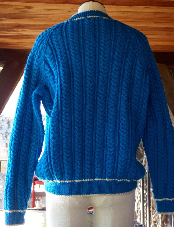 Hand Knit V Neck Sweater Thick Cables Azure Blue LlLSRQTn