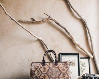 "Kilim Duffle Bag, Boho Bag, Turkish Kilim, Leather Bag, Travel Bag, Vintage Bag, Boho Bag, Shoulder Bag, Boho Chic  36 x 22 cm / 15"" x 8.5"""