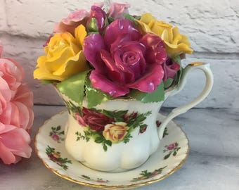 Music Box Teacup by Royal Albert Old Country Roses Excellent Condition Vintage in Original Box