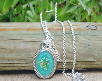 Flower girl, Pressed flower necklace, Real flower necklace, Nature Jewelry, resin jewelry, dainty necklace, romantic necklace, vintage style