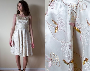 1950s / 1960s Perfect Juniors Reg'd Off-White Embroidered Party Dress