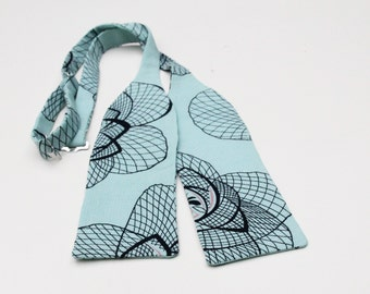 Bow tie Jazz with art deco print, 1920's print self tie, auqa batwing bow tie roses