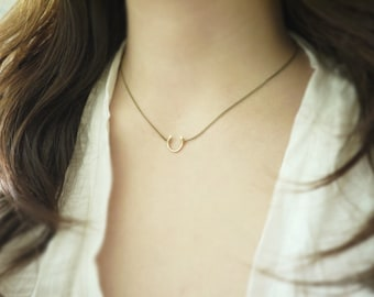 Small horseshoe necklace - antique brass chain - delicate lucky jewelry