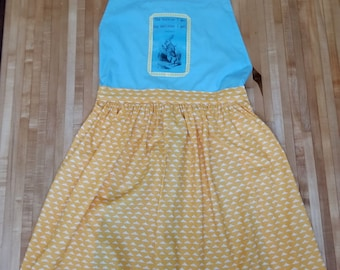 White Rabbit Apron, Alice in Wonderland, Lewis Carroll, Book Apron, Book Quote, Hurrier I Go Behinder I Get, Book Nook, MarjorieMae