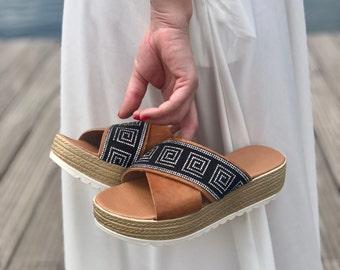 Sandales en cuir «Triton», plateforme sandales, sandales à la main, sandales à plateforme fait à la main, couleur naturelle, Womens sandales, sandales grecques