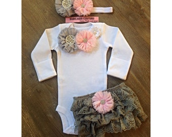 Newborn Girl Take Home Outfit, Gray Baby Outfit, Gray Lace Baby Shorts, Coming Home Outfit, Baby Girl Clothes, Baby Shower Gift, Layette