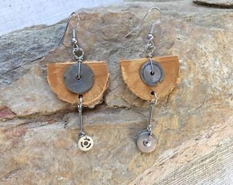 SteamPunk Earrings,SteamPunk Jewelry,Gear Earrings,Watch Parts Jewelry, Clock Parts Jewelry, Unique Jewelry, gift For Her, leather earrings