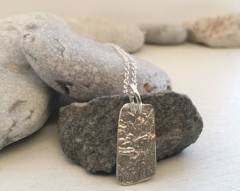 Silver ripple necklace