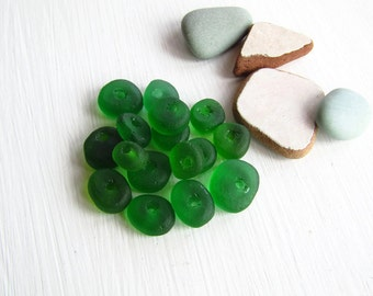 Green  Recycled glass beads, rough freeform rondelle donut disc ,  frosted matte style indonesian ( 16 beads )  6ak5-2
