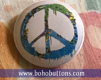 World Map Peace Sign Pin, Positive Vibes Magnet, Hippie Keychain, Bohemian Symbol, Tie Dye Button, 1960s Pinback Button, Free Spirit