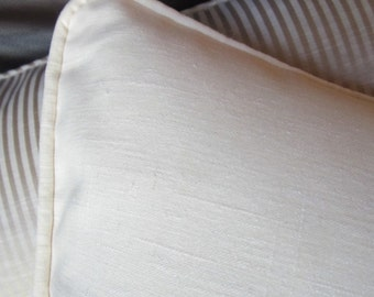 Ivory linen pillows with or without cording 16x16