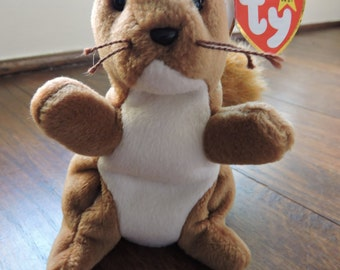 1996 RETIRED Nuts the Squirrel ORIGINAL Ty Beanie Baby. Born 1/26/1996