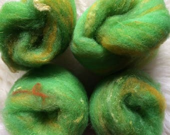 Mini batts for spinning felting - local wool - hand dyed, hand-dyed - green yellow