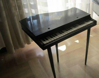 Pianoforte in legno Baby Gran Piano