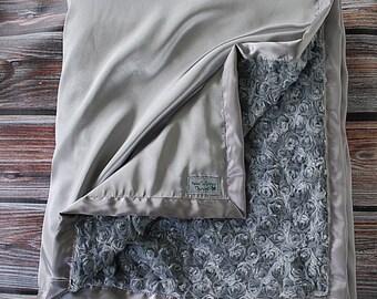 Minky Blanket, Grey Minky, Silver Minky, Minky for man, Oversized Blanket, Minky Quilt, Christmas gift for Men, Silver Blanket, satin minky