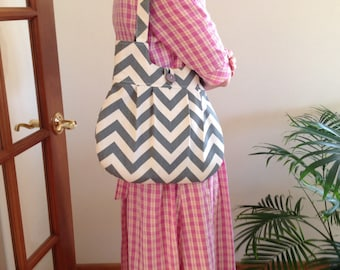 BEST SELLER ! Gray chevron purse, chevron, best seller,