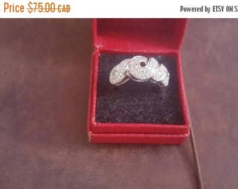 ON SALE Vintage Sterling Silver and CZ Stone Ring