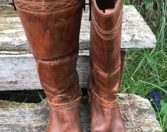 Tall Leather riding Boots by Capezio 1970's. Women's Size 6-7  Made in USA. Western Boots. Riding Boots. Cowboy Boots. Heeled Leather Boots.