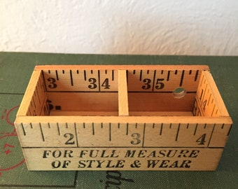 Small Yardstick Divided Box
