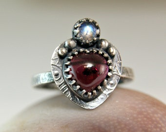 Vintage Style Garnet Moonstone Ring, Sterling Silver Heart Shape Garnet Ring, Botanical Jewelry, Blue Moonstone Jewelry