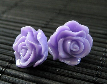 Ohrringe lila Rose. Lila Blumenohrringe. Lavendel-Ohrringe. Ohrstecker. Blumenschmuck. Silber Ohrstecker. Handgemachten Schmuck.
