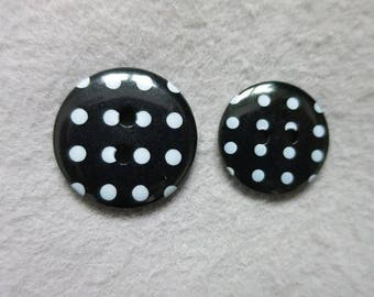 Polka dot button