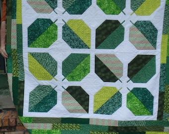 leaf quilt, green quilt, modern quilt, double bed quilt