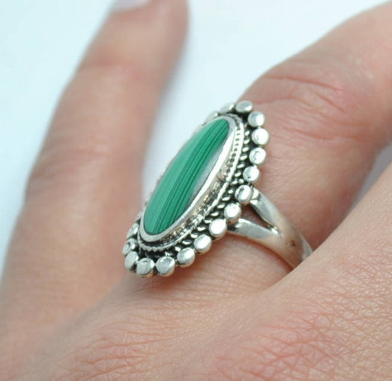 Malachite ring - vintage ring - boho ethnic style - oval ring - silver ring - vintage jewelry