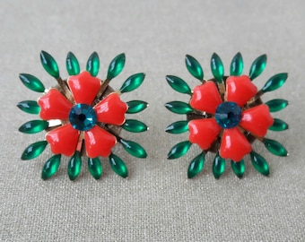 Dangle earrings red and green