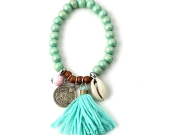 Boho Sea shell bracelet & green tassel