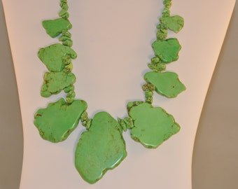 Green Turquoise Nuggets Slice Necklace