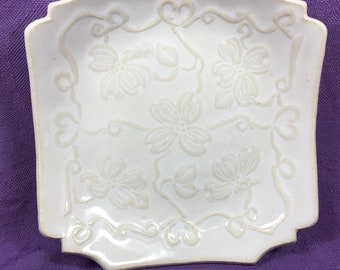 Mini-Plate with Dogwood Design/White