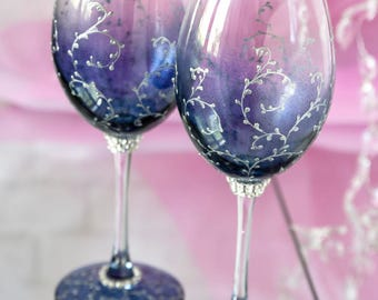 Wine Glasses, Personalized Wedding Glasses, Navy and Silver Wedding Flutes, Engraved Toasting Glasses, Navy Wine Glasses,  Engraved Glasses