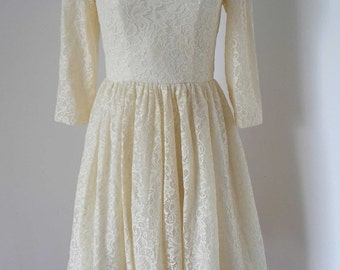 2015 3/4 Sleeves Cream Lace Short Bridesmaid Dress with Back Buttons