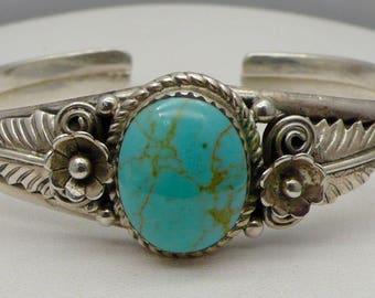 Vintage Southwest Navajo Native American Sterling Silver & Turquoise Cuff Bracelet
