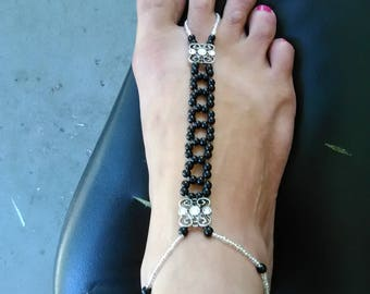 Black & Silver Barefoot Sandals w/anklet, Foot jewelry, Beaded Foot Sandals