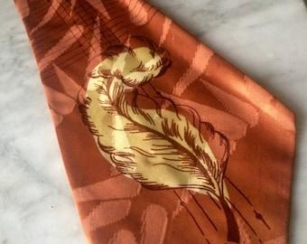 Vintage 40's Wide Swing Necktie, Vintage Menswear, Silk Jacquard, Amber w/ Creme Feather