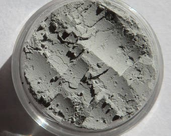 Matte Pale Gray Mineral Eyeshadow | Eco-Friendly | Loose Pigments | No Shimmer | Semi-Sheer | Vegan Mineral Eye Shadow - Ghosts
