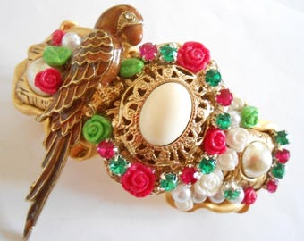 Large gold flowers with Rhinestone Barrette and Parrot.